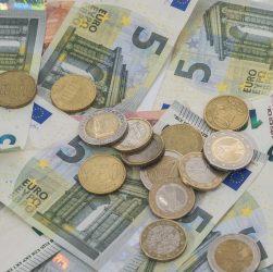 Pożyczka spłacana pożyczką - jak nie popaść w pętlę chwilówek?